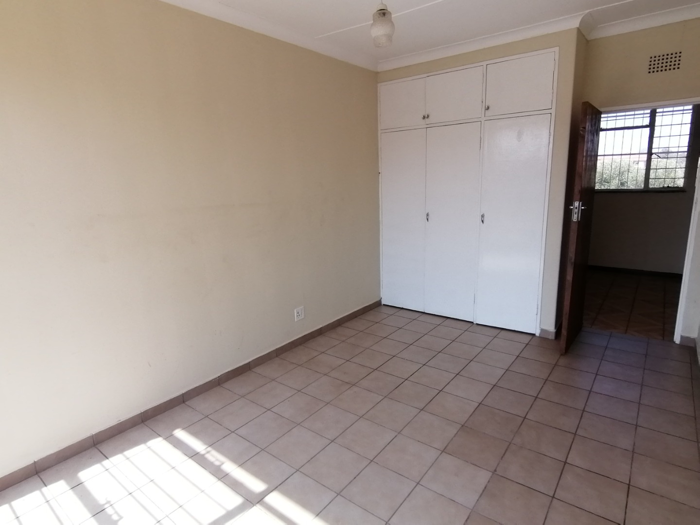 1 Bedroom Apartment / Flat To Rent in Greenhills