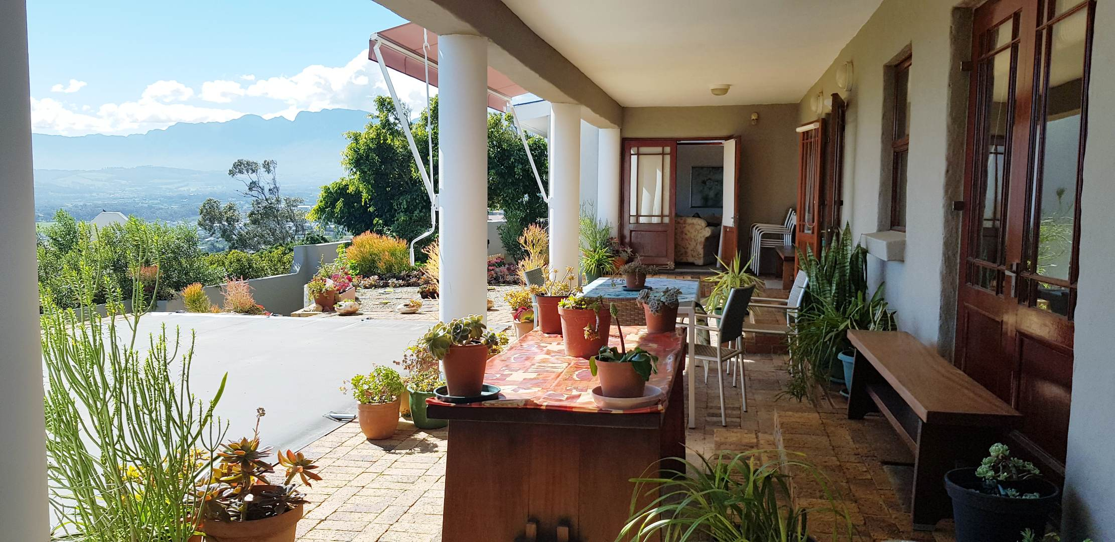 6 Bedroom House For Sale in Mountainside