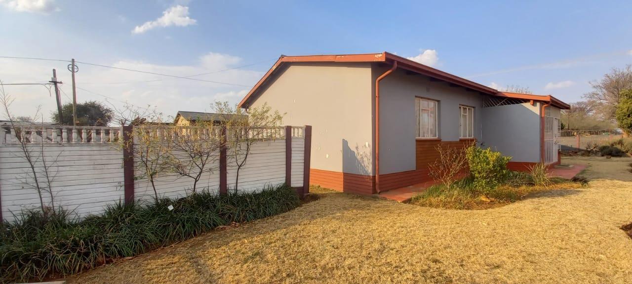 2 Bedroom House For Sale in Fochville