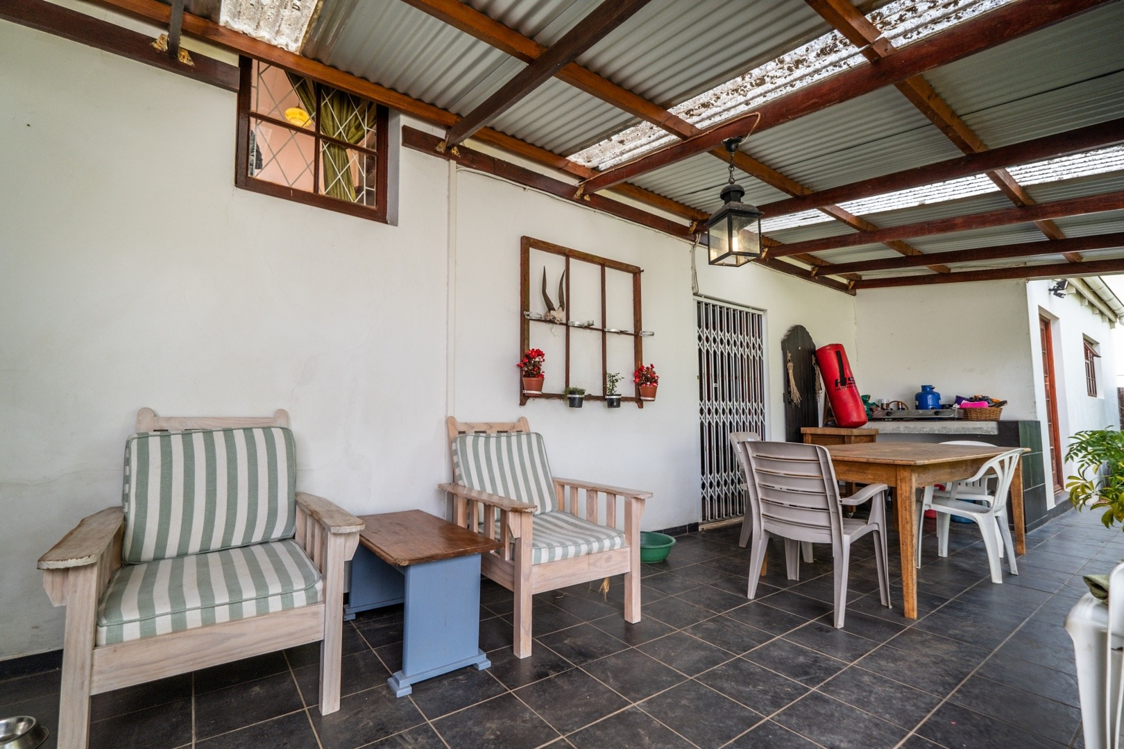 4 Bedroom House To Rent in Oatlands