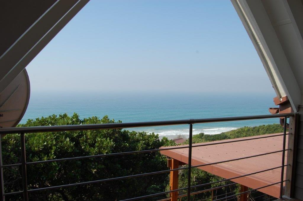 7 Bedroom House For Sale in Ponta Do Ouoro Central