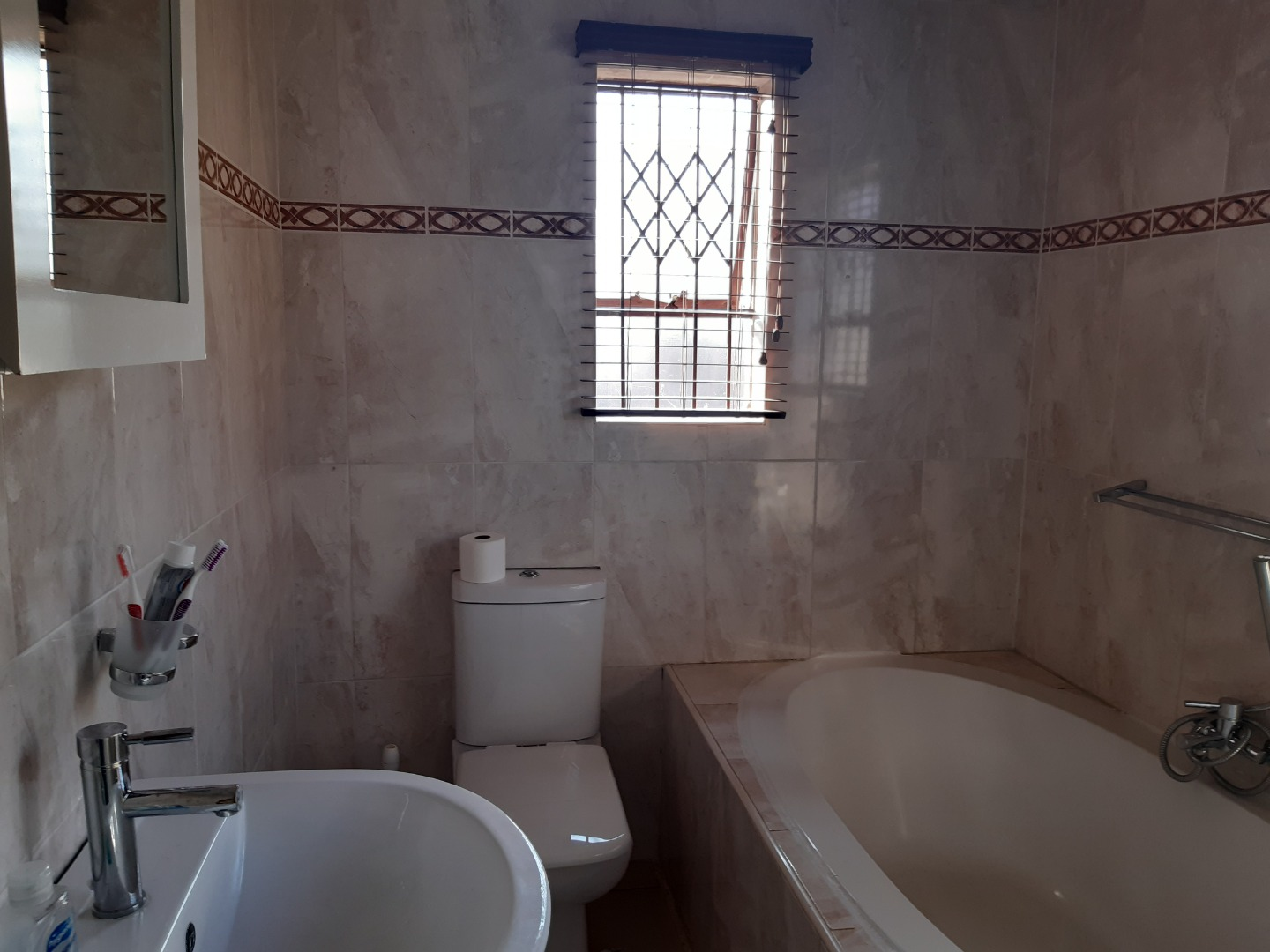 6 Bedroom House For Sale in Cultura Park