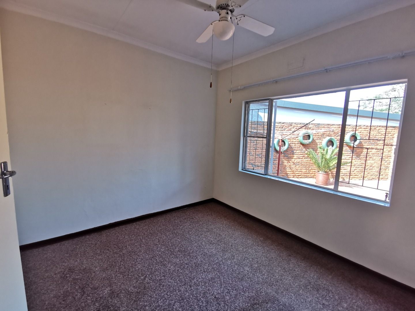 4 Bedroom Apartment / Flat For Sale in Chroompark