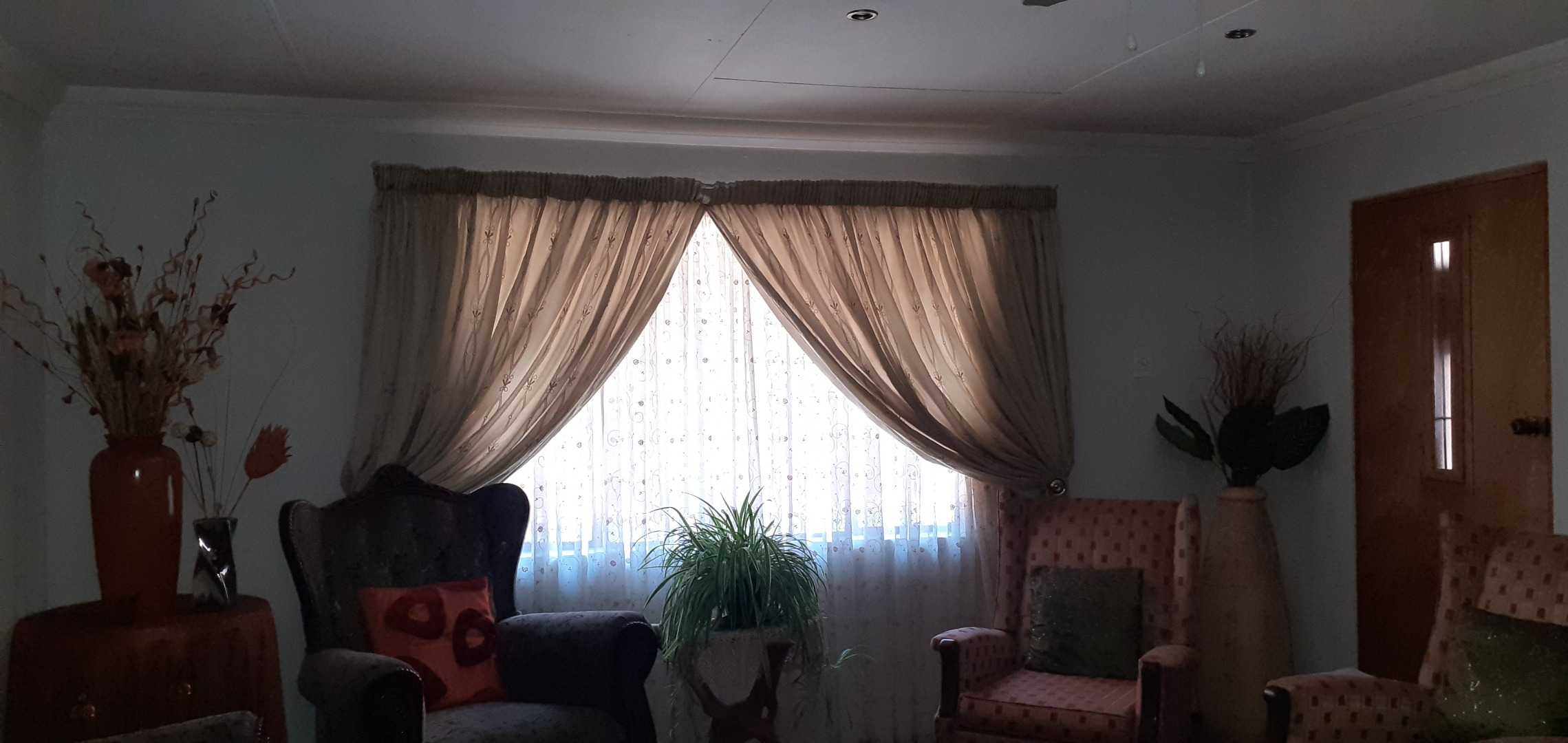 8 Bedroom House For Sale in Bethal