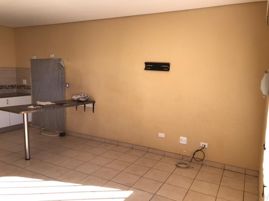 3 Bedroom Townhouse For Sale in Okahandja Central