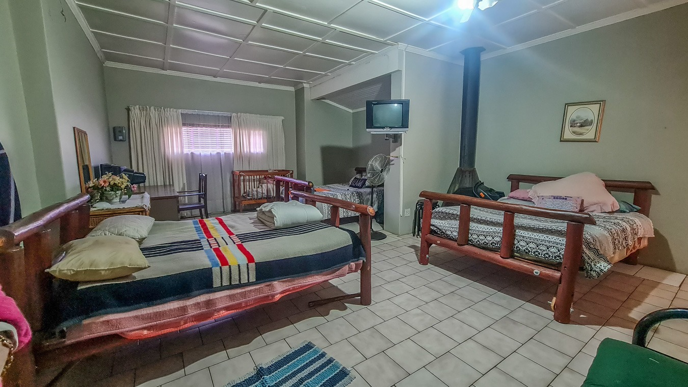 5 Bedroom House For Sale in Hendrina
