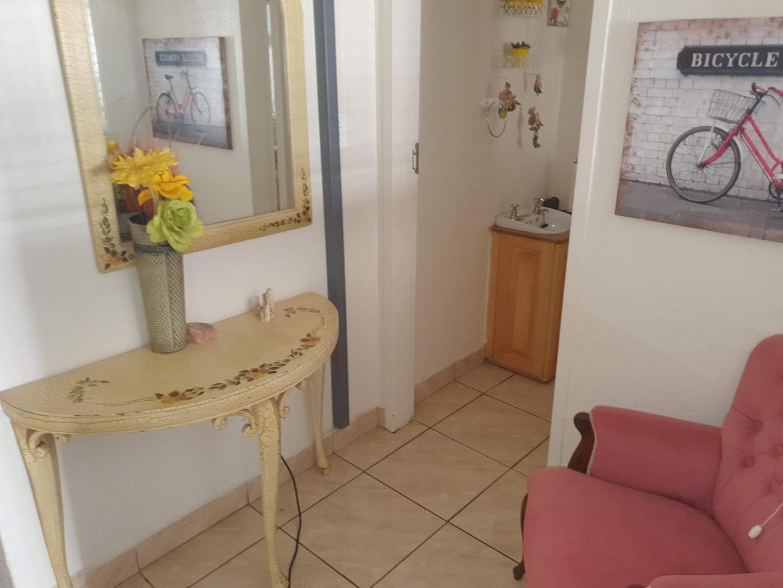 2 Bedroom Townhouse For Sale in Louis Trichardt