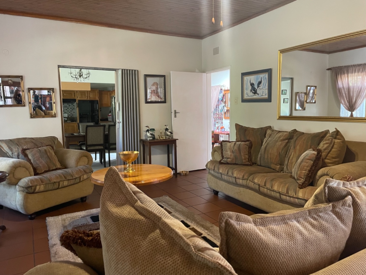 4 Bedroom House For Sale in Clubville