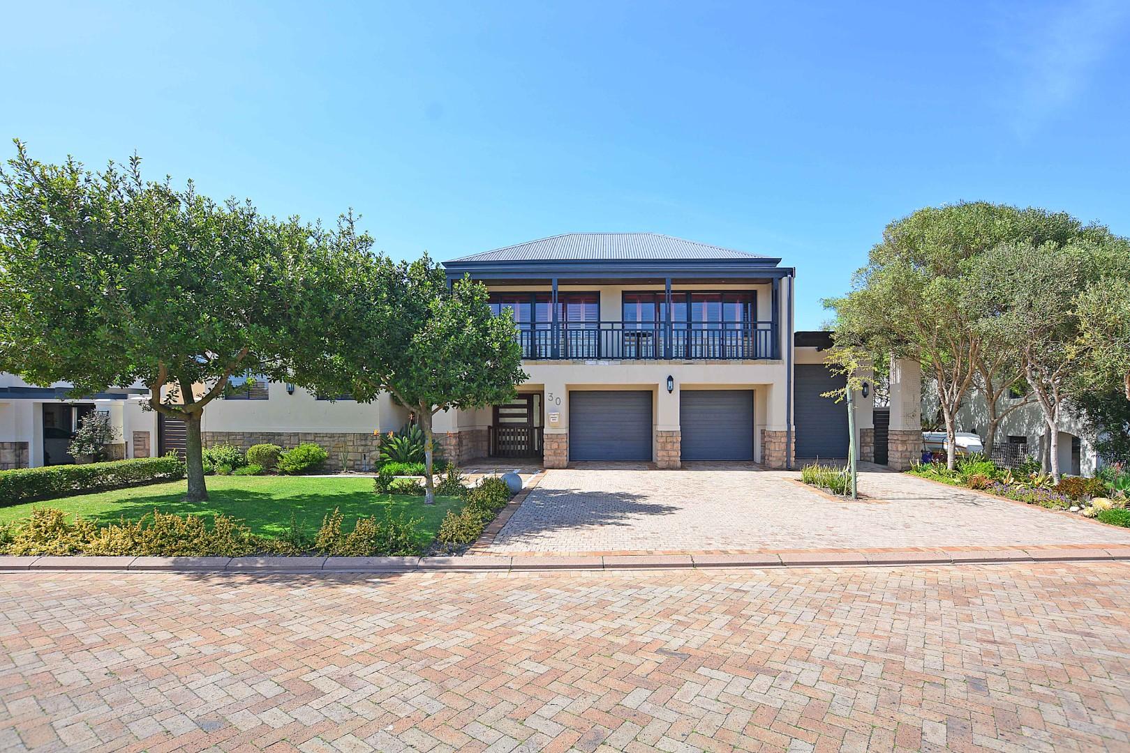 6 Bedroom House For Sale in Atlantic Beach Golf Estate