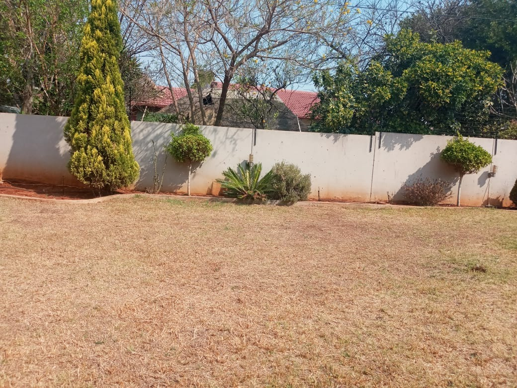 2 Bedroom House For Sale in Chantelle