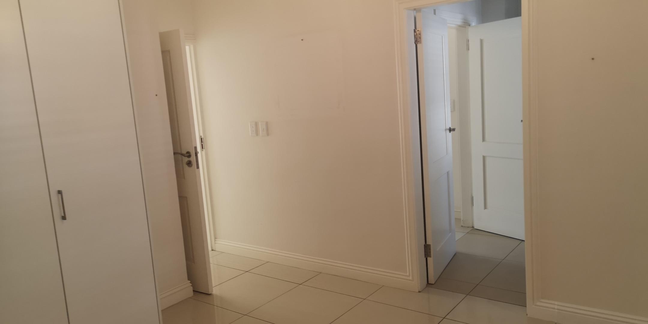 2 Bedroom Townhouse For Sale in Senderwood