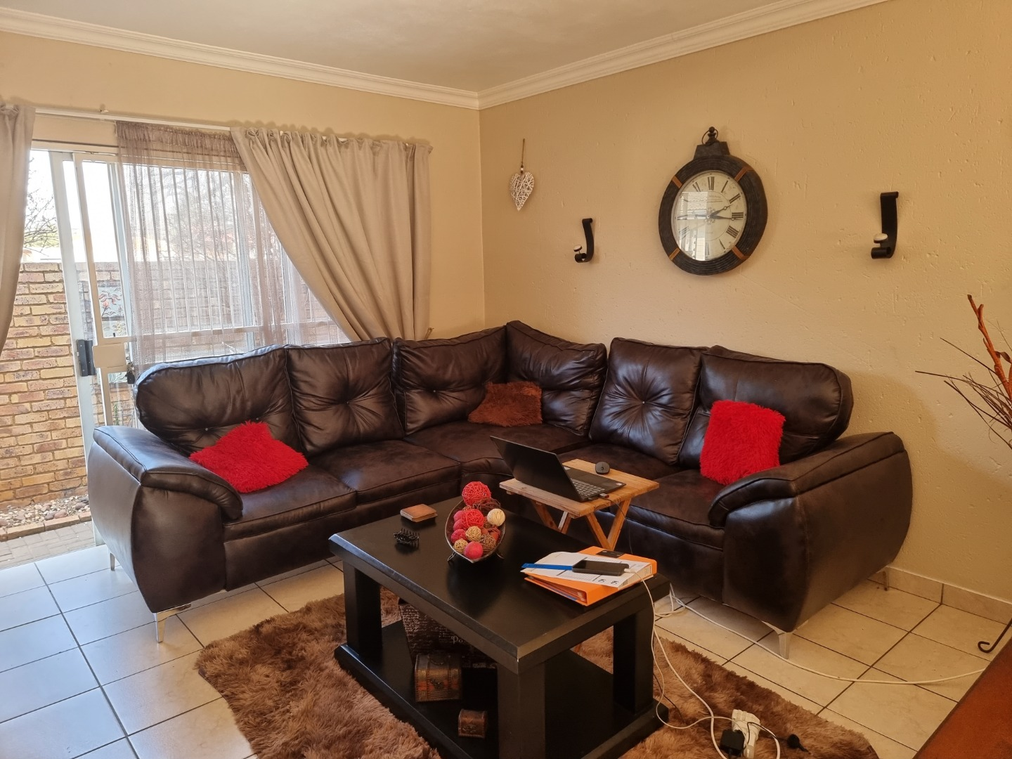 3 Bedroom Townhouse For Sale in Selection Park