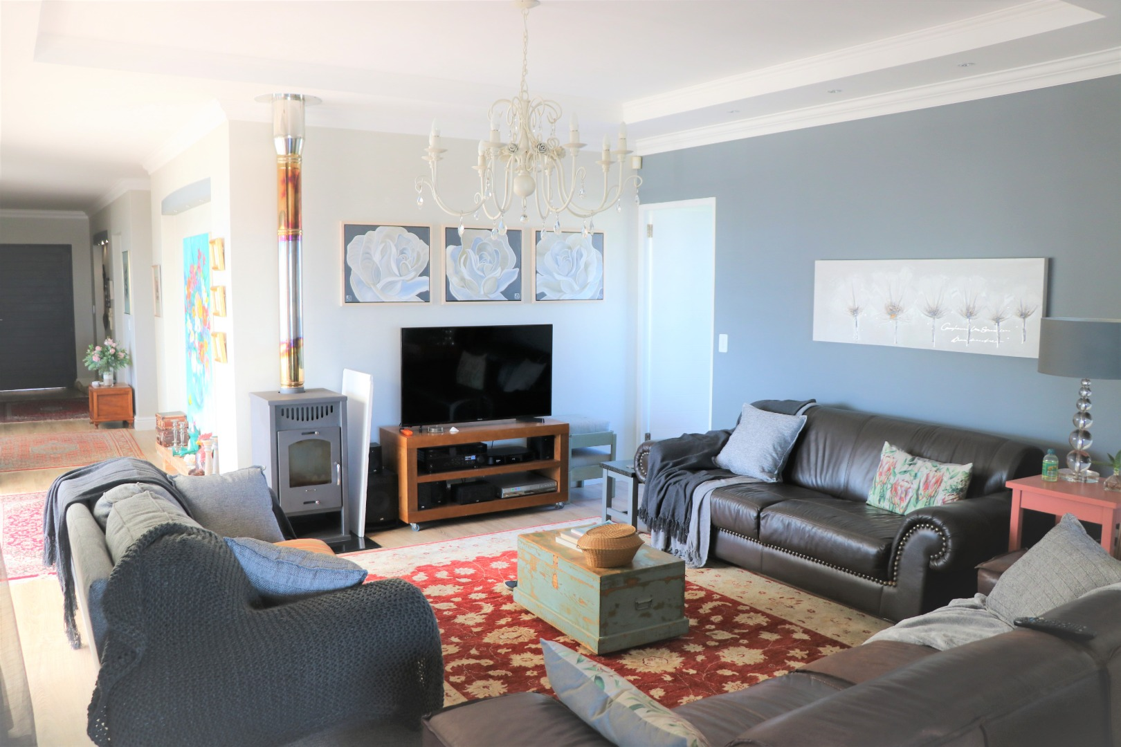 6 Bedroom House For Sale in Yzerfontein