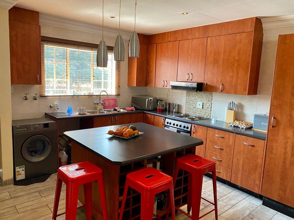 3 Bedroom Townhouse To Rent in Terenure