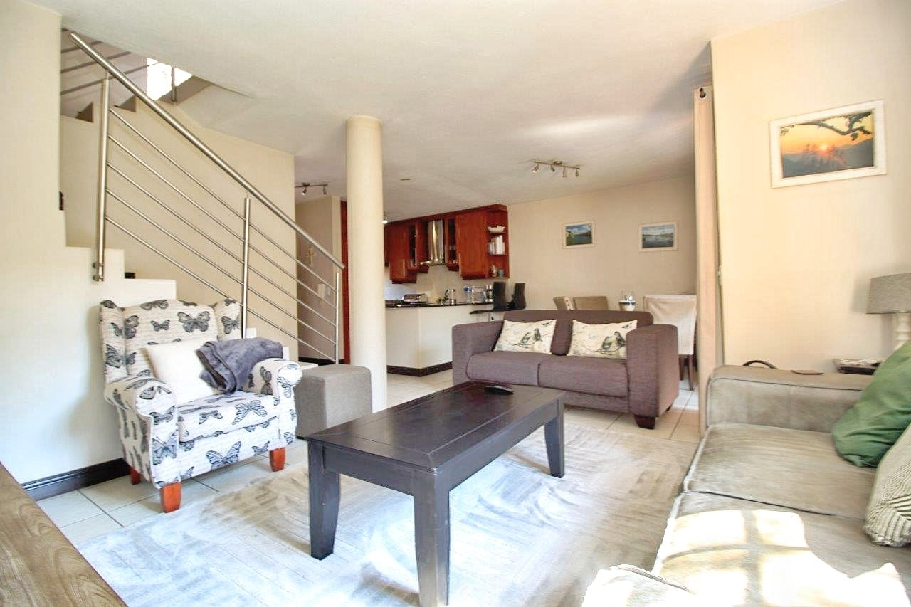 2 Bedroom Townhouse For Sale in Bedfordview