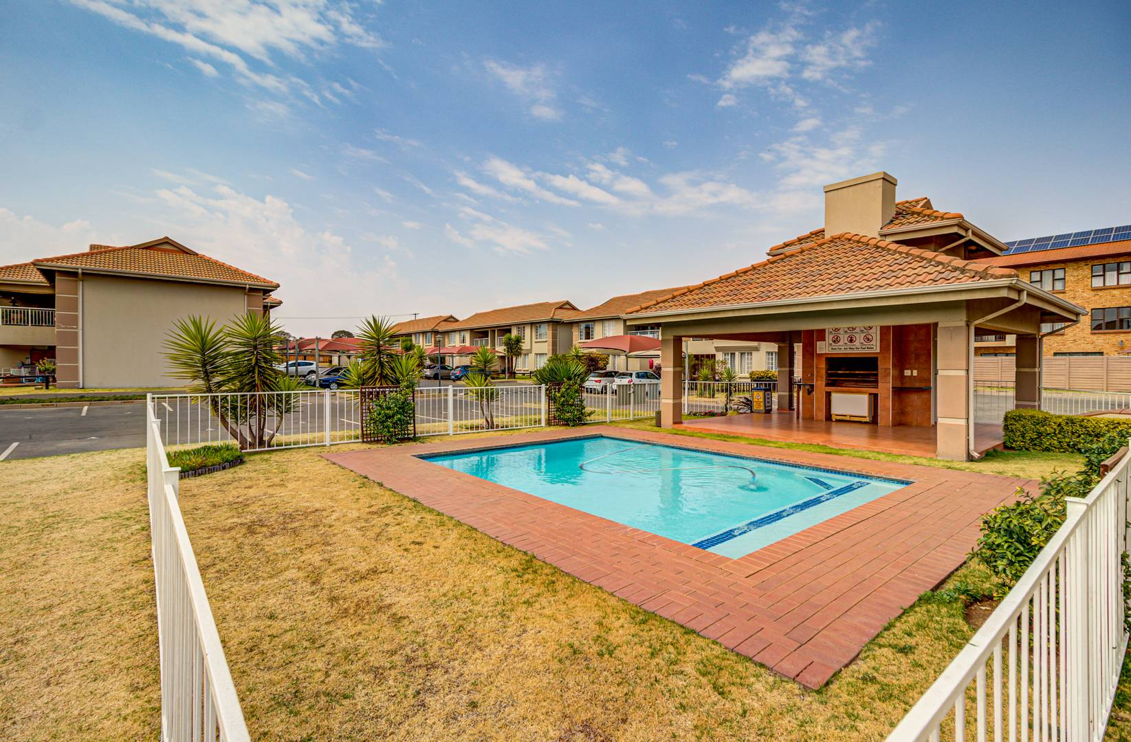 2 Bedroom Apartment / Flat For Sale in Brentwood Park