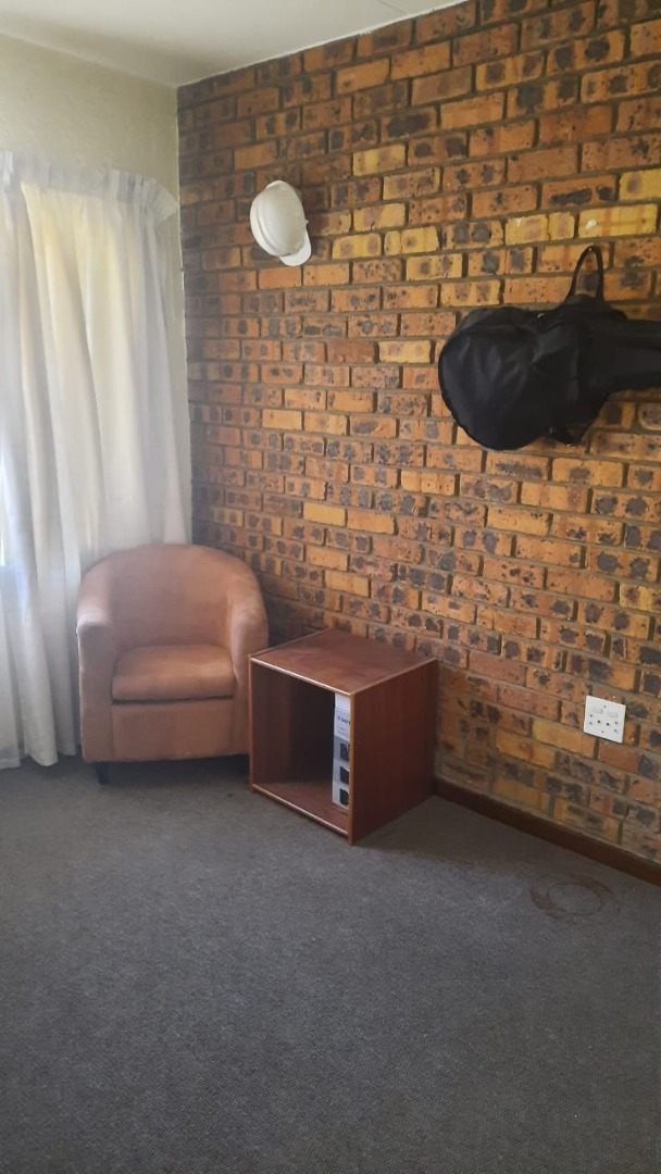 2 Bedroom Apartment / Flat To Rent in Secunda