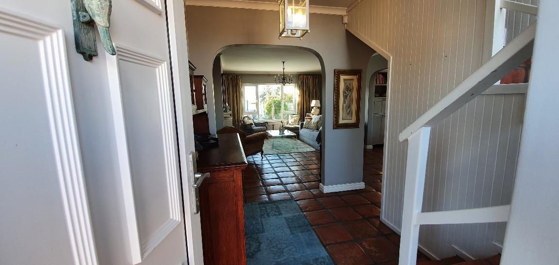 4 Bedroom House For Sale in Van Riebeeckstrand