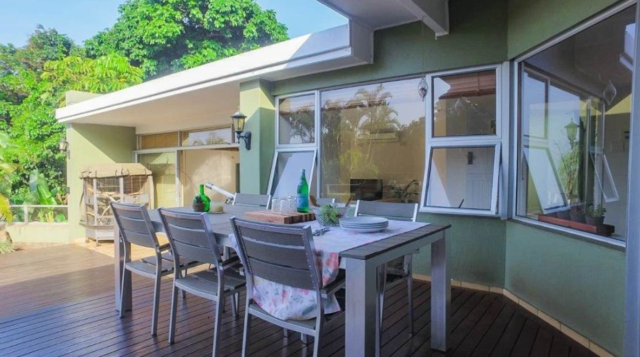 4 Bedroom House To Rent in Athlone Park
