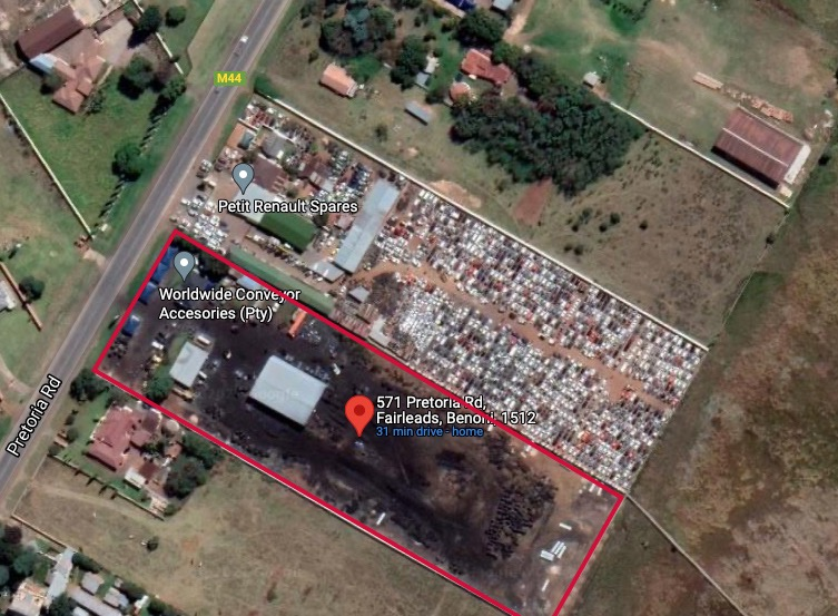 Commercial Property in Fairlead For Sale