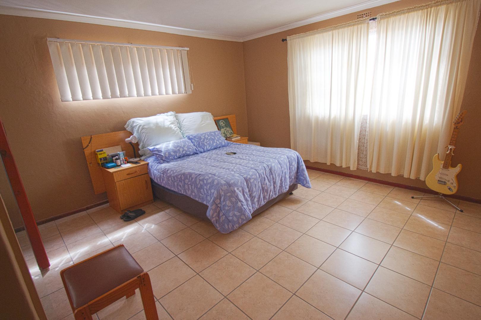 4 Bedroom House For Sale in Strandfontein