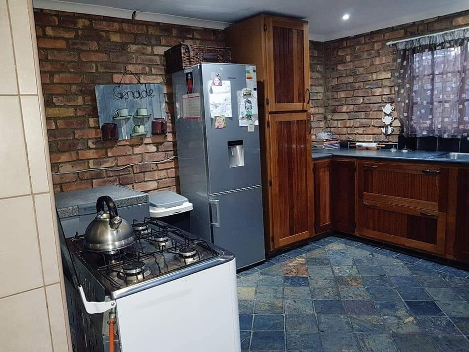 3 Bedroom House For Sale in Erasmus