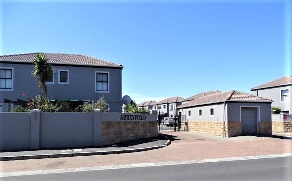 2 Bedroom Townhouse For Sale in Parklands