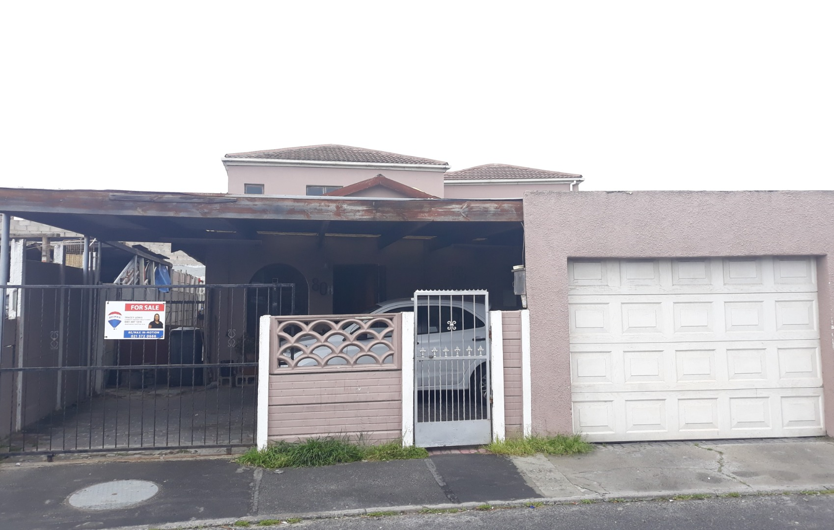 6 Bedroom House For Sale in Morgenster