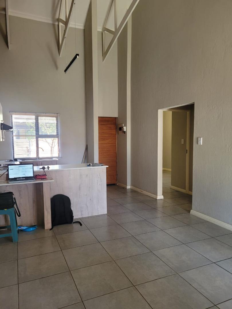 2 Bedroom Townhouse To Rent in Pomona