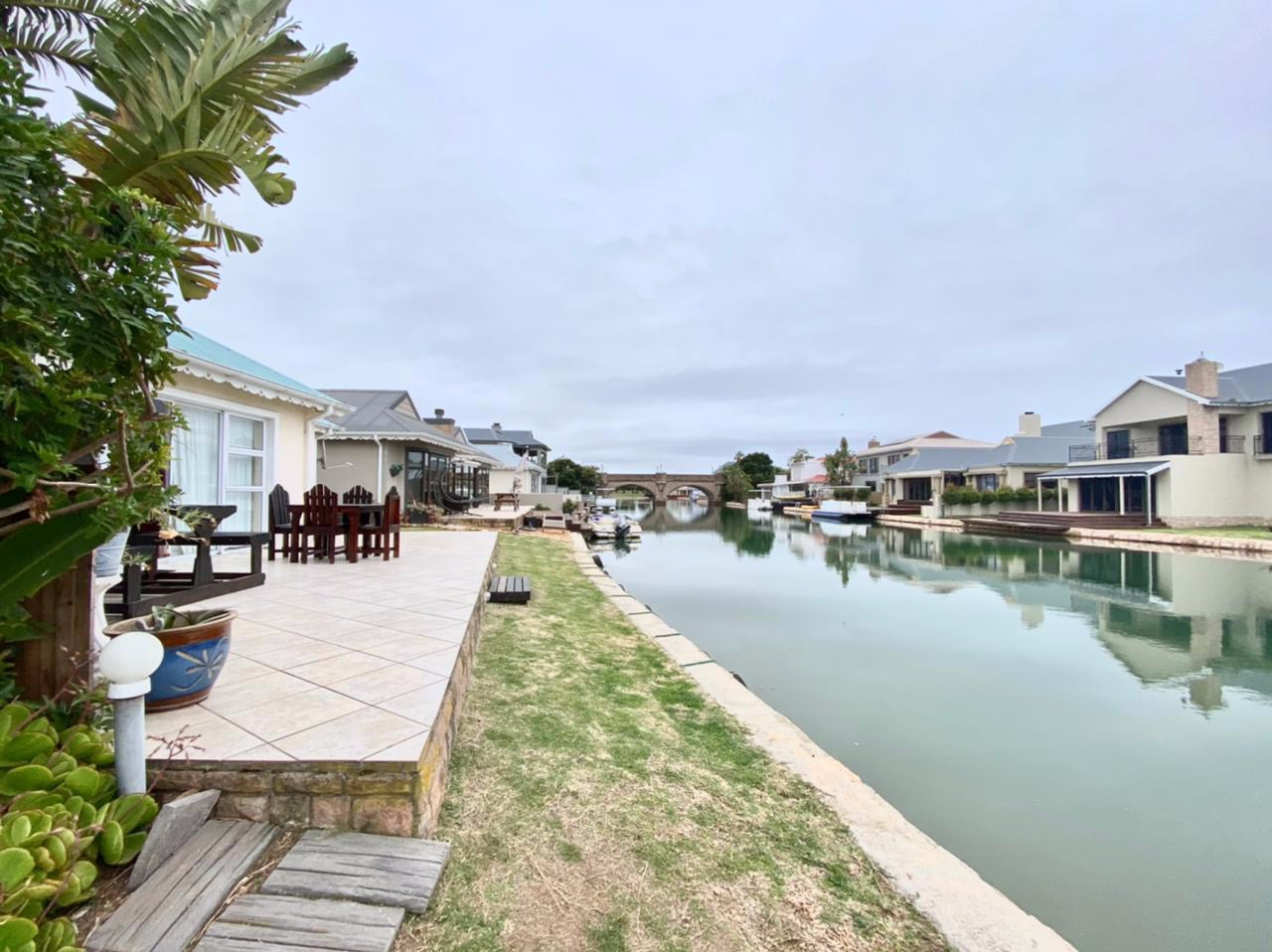 2 Bedroom House For Sale in Marina Martinique