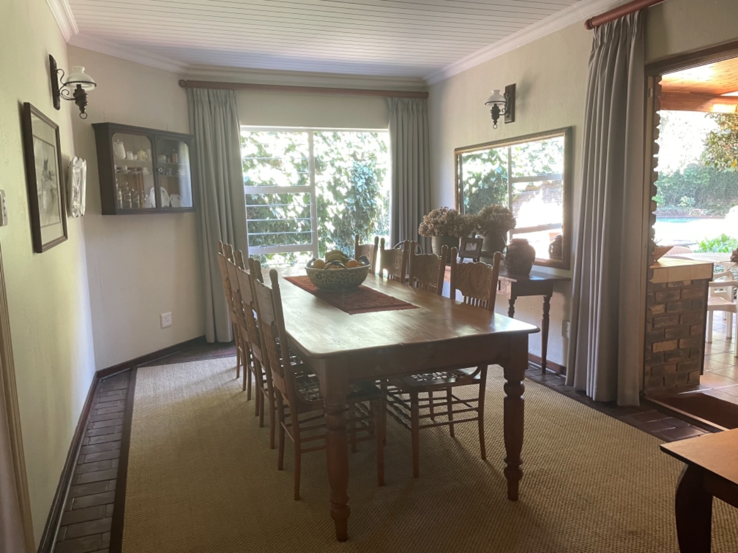 5 Bedroom House For Sale in Clubville