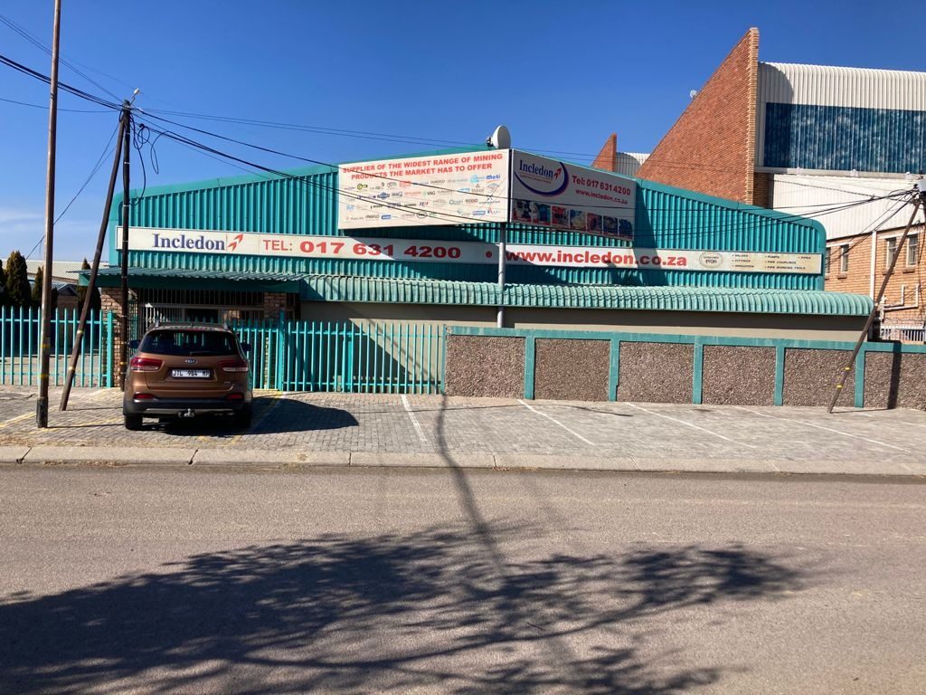 Commercial Property in Secunda To Rent