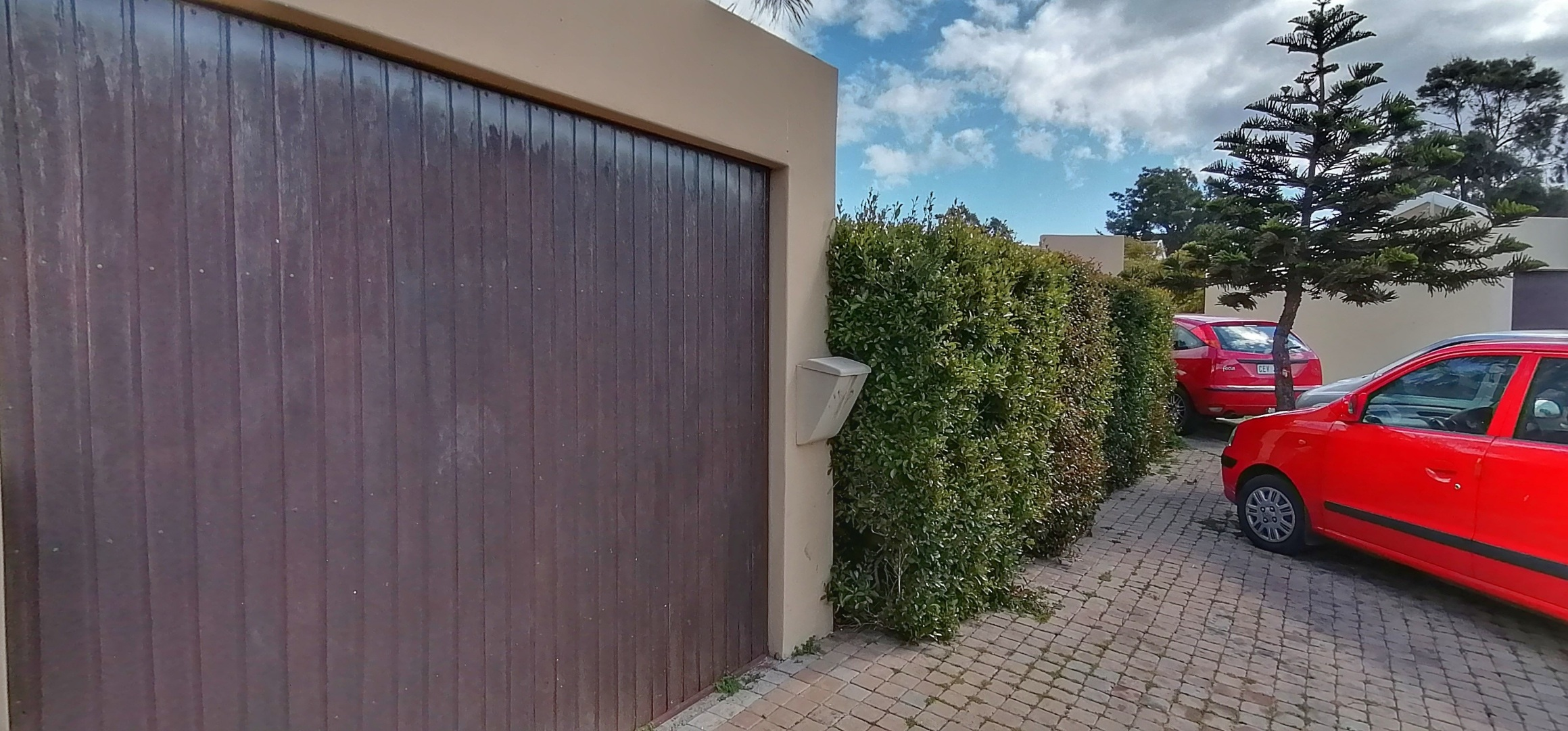 3 Bedroom House For Sale in Fairview Golf Estate