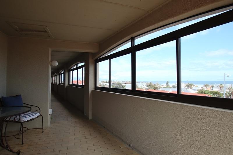 1 Bedroom Apartment / Flat For Sale in Melkbosstrand Central
