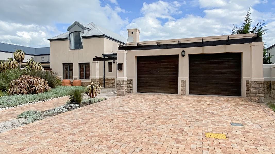 3 Bedroom House For Sale in Atlantic Beach Golf Estate