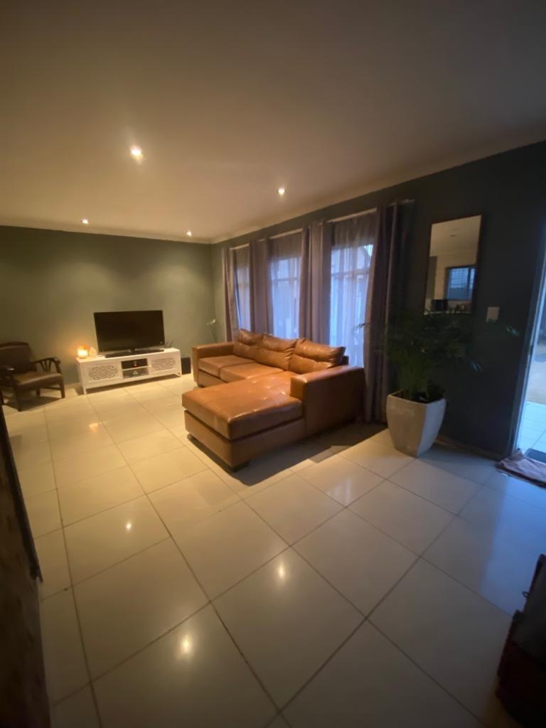 2 Bedroom House For Sale in Brakpan North