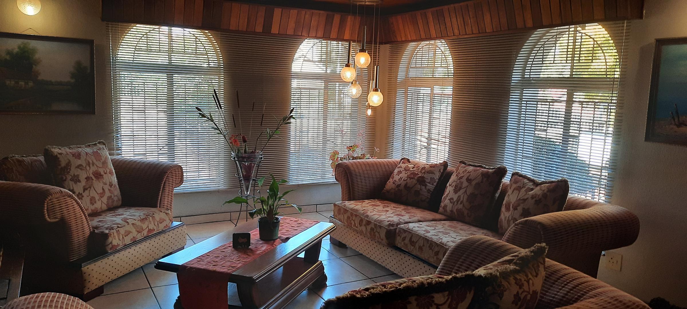 4 Bedroom House For Sale in Dennesig