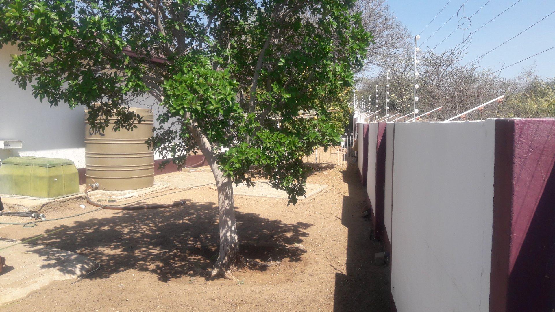 5 Bedroom House To Rent in Pioniers Park