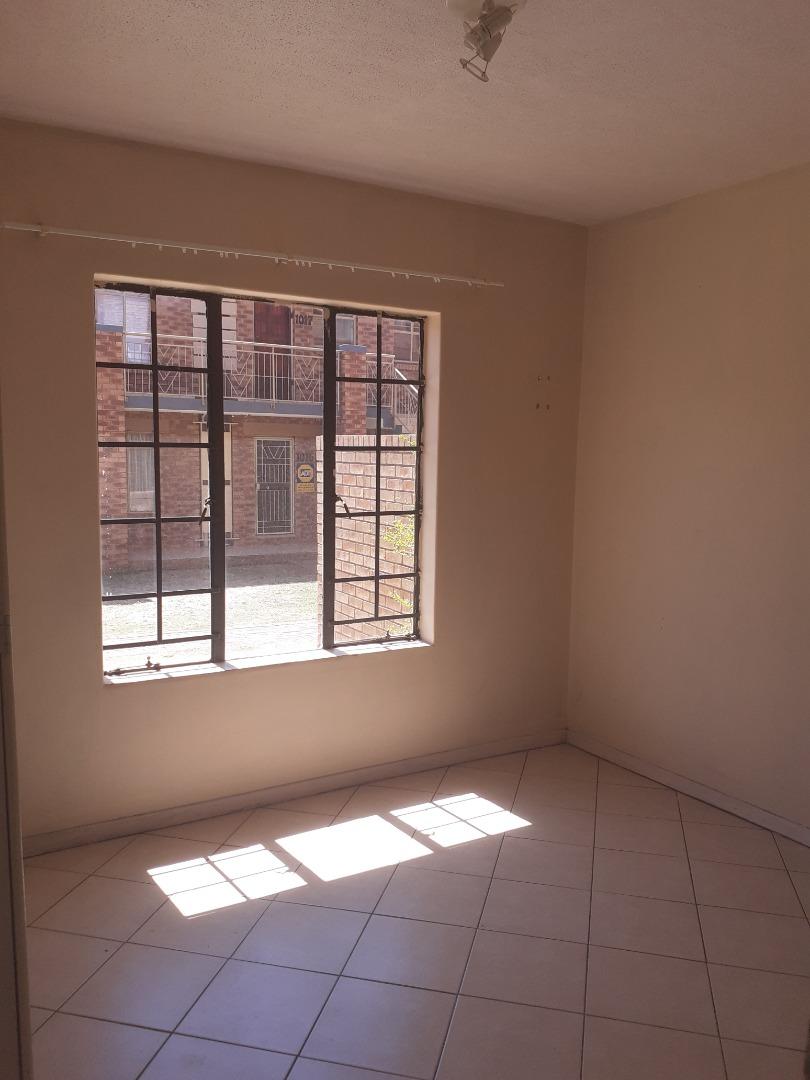 2 Bedroom Apartment / Flat For Sale in Wonderpark Estate