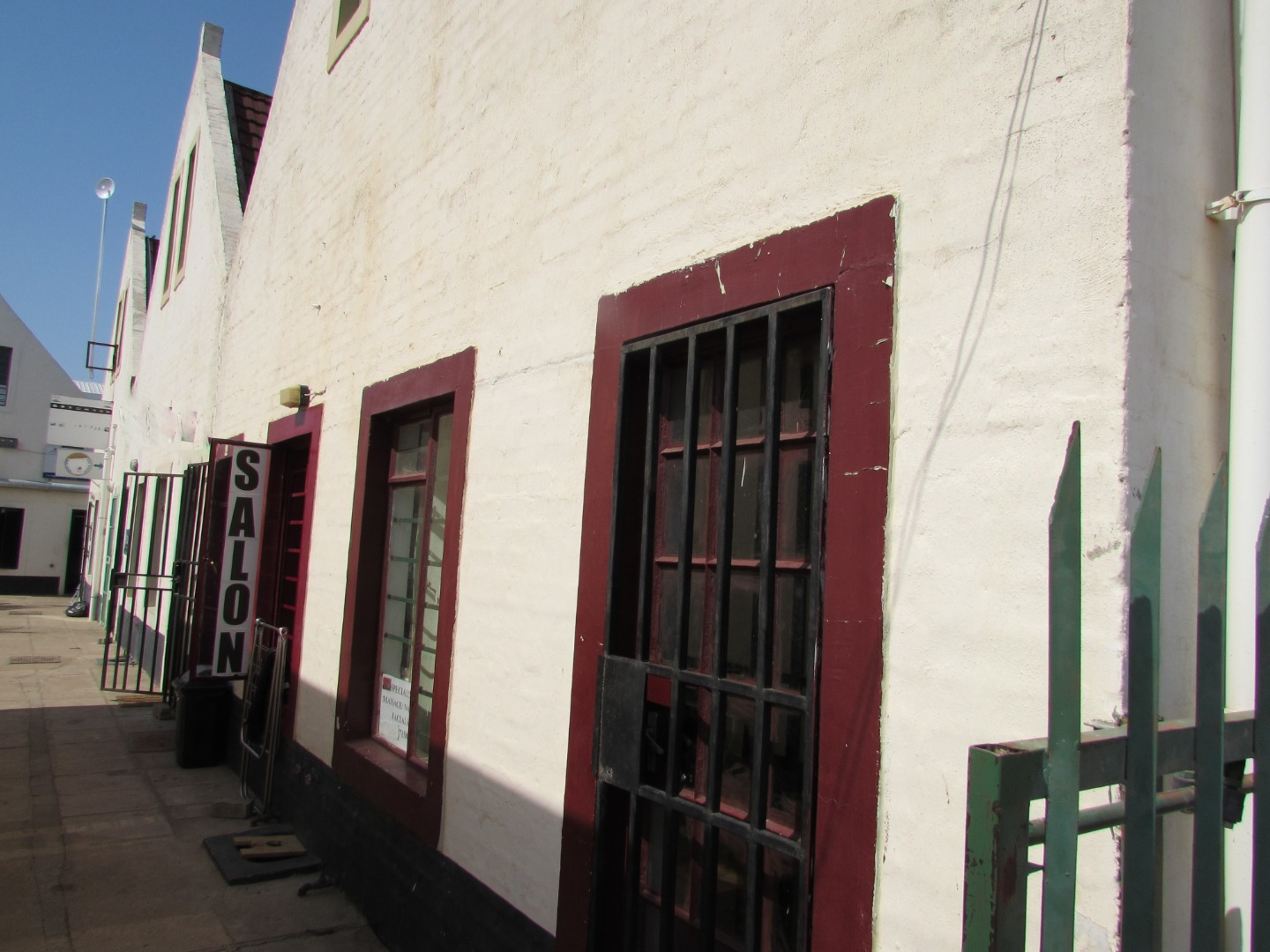 Commercial Property in Block 6 For Sale