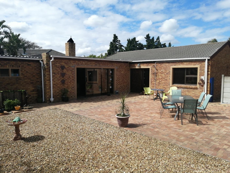 2 Bedroom House For Sale in Parklands