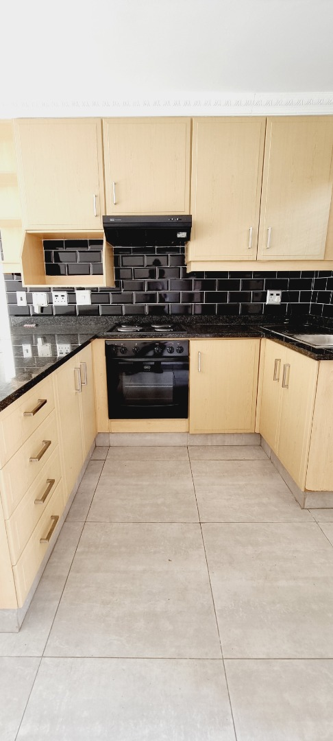 2 Bedroom Apartment / Flat For Sale in Bedford Gardens