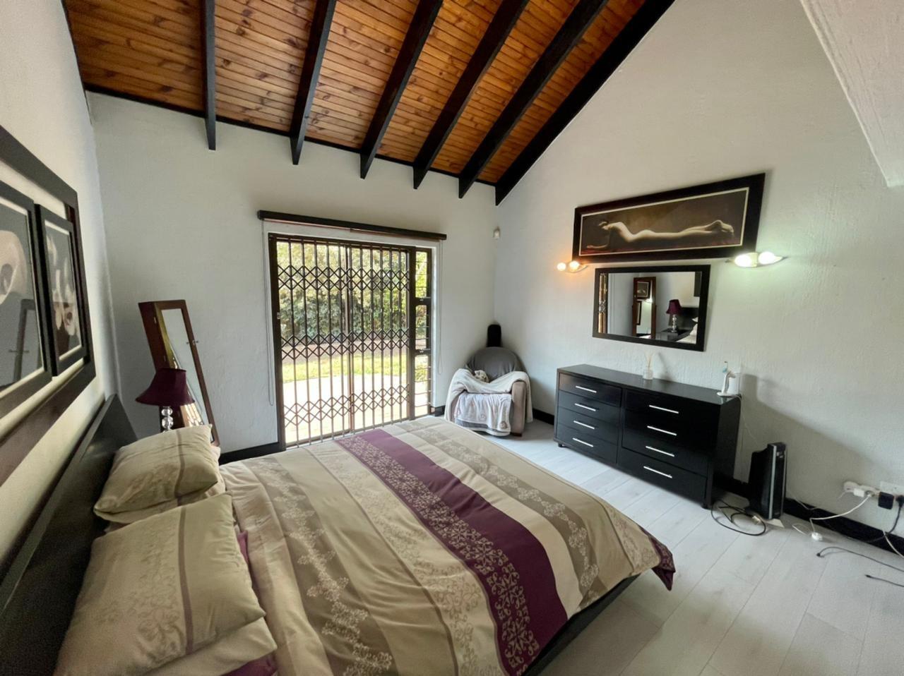 4 Bedroom Townhouse For Sale in Bedfordview