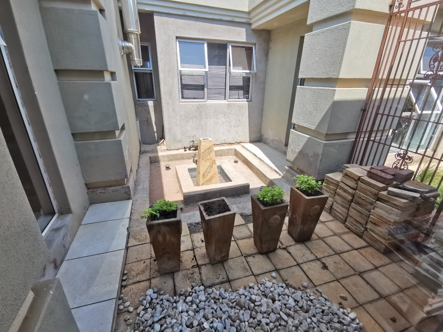 5 Bedroom House For Sale in Chroompark