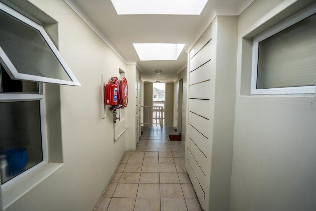 2 Bedroom Apartment / Flat To Rent in Grahamstown Central