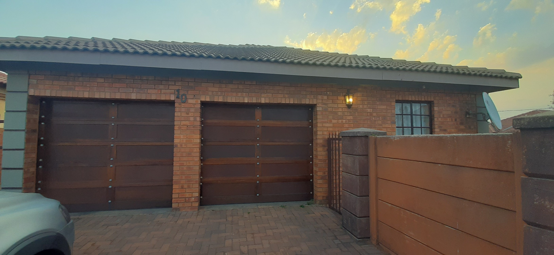 3 Bedroom House For Sale in Mineralia