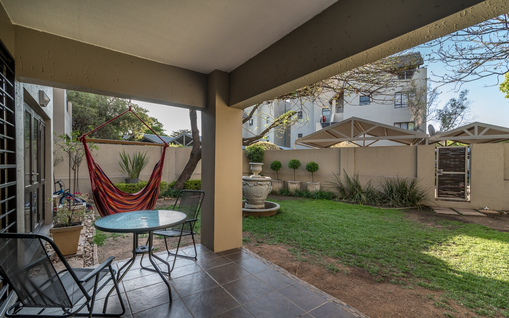 2 Bedroom Apartment / Flat To Rent in Pineslopes