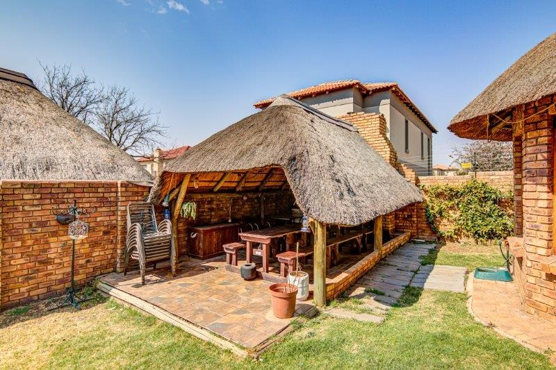 3 Bedroom House For Sale in Rynfield