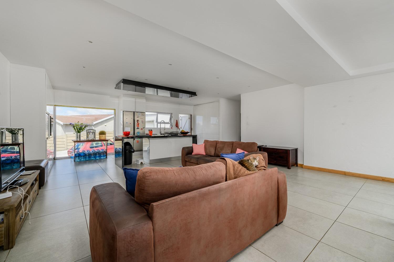 3 Bedroom House For Sale in Ben Kamma