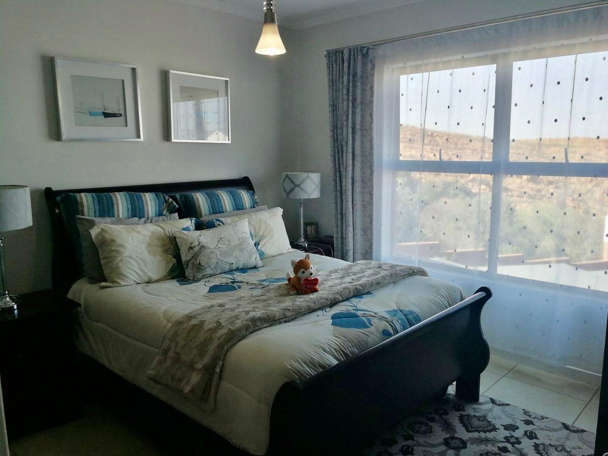 3 Bedroom Townhouse For Sale in Oakdene
